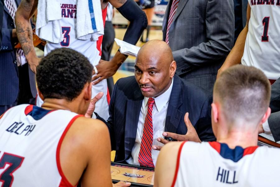 Head coach Michael Curry shares his plan of attack to FAU players during the Owls 78-66 loss to Old Dominion on Jan. 28. Mohammed F. Emran   Staff Photographer