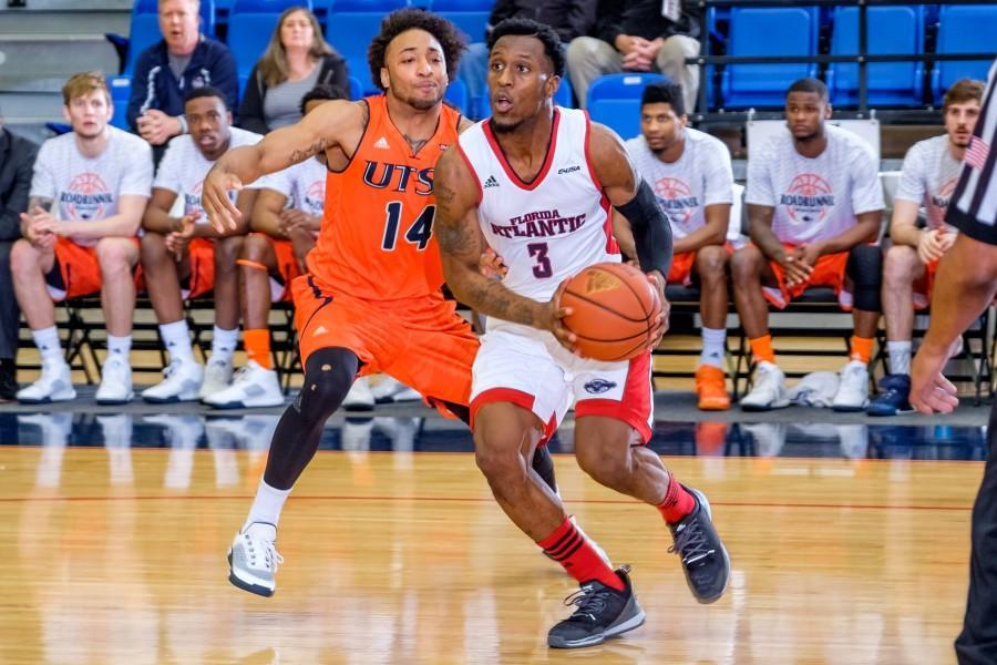 Gallery: Men's Basketball vs. UTSA