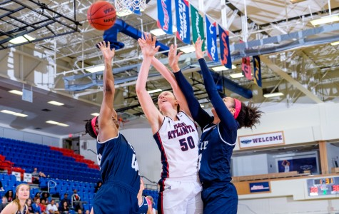 Junior Melinda Myers scored 10 points in the Owls loss at Middle Tennessee. Photo by Mohammed F. Emran