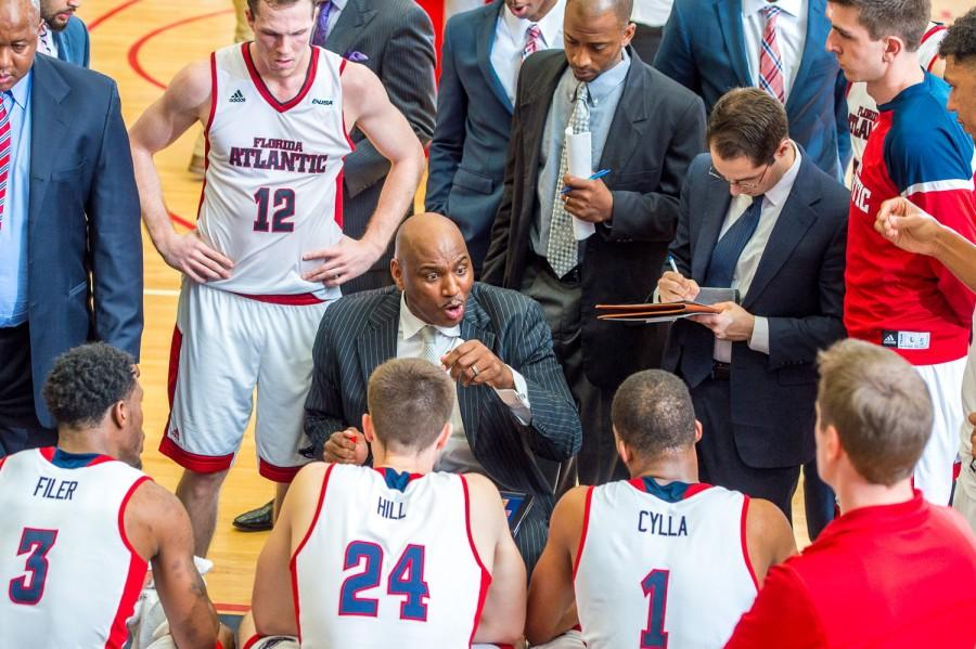 FAU+head+coach+Michael+Curry+talks+to+his+team+during+a+media+timeout+late+in+the+second%0Ahalf+of+his+team%27s+76-59+loss+to+Middle+Tennessee+on+March+3.+Max+Jackson+%7C+Staff+Photographer