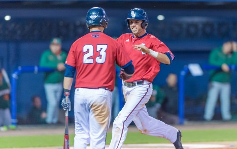 Baseball: Owls fly through rain, UAB
