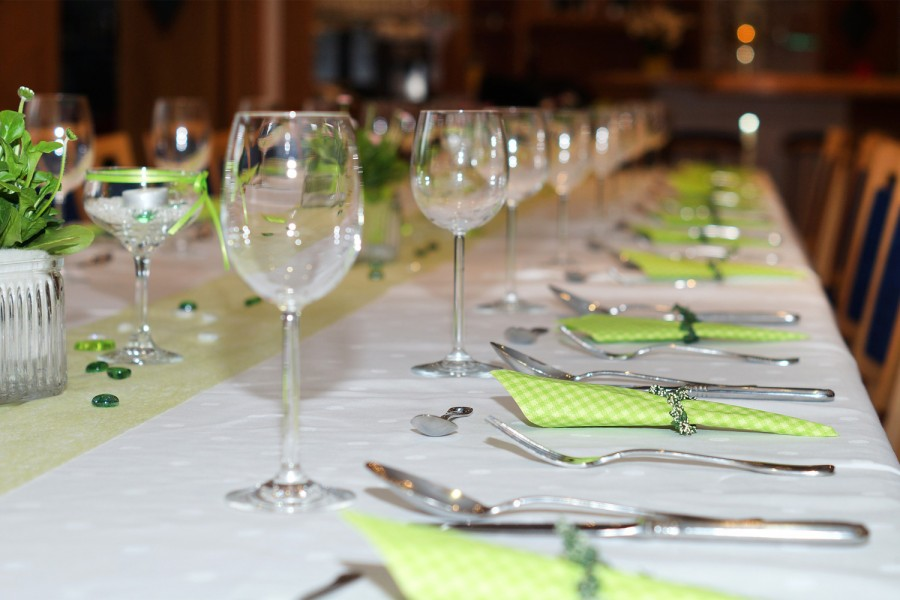 Students who represent the 1 percent will be catered by volunteer wait staff while the students representing the lower class will sit on the floor. Photo courtesy of Pixabay