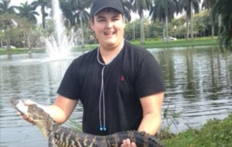 Student catches alligator on Florida Atlantic Boca campus