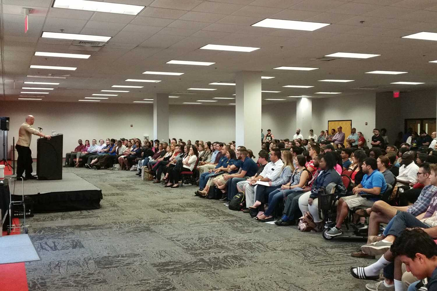 Death row exoneree Seth Penalver spoke to over 400 FAU students and staff Tuesday night. Brittany Ferrendi | Features Editor
