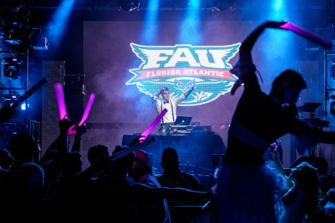 Two FAU bands play together at Coyote Jacks on Friday night