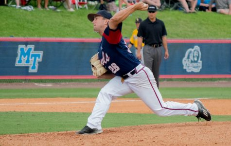 Baseball: Owls sweep Roadrunners