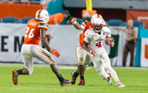 Football: Owls fail to capitalize on chances, Miami pulls away in second half