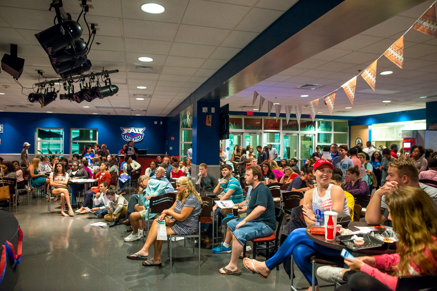 A variety of student groups congregated at The Burrow to watch the first presidential debate between Donald Trump and Hillary Clinton, including the College Republicans and College Democrats.  Max Jackson | Staff Photographer