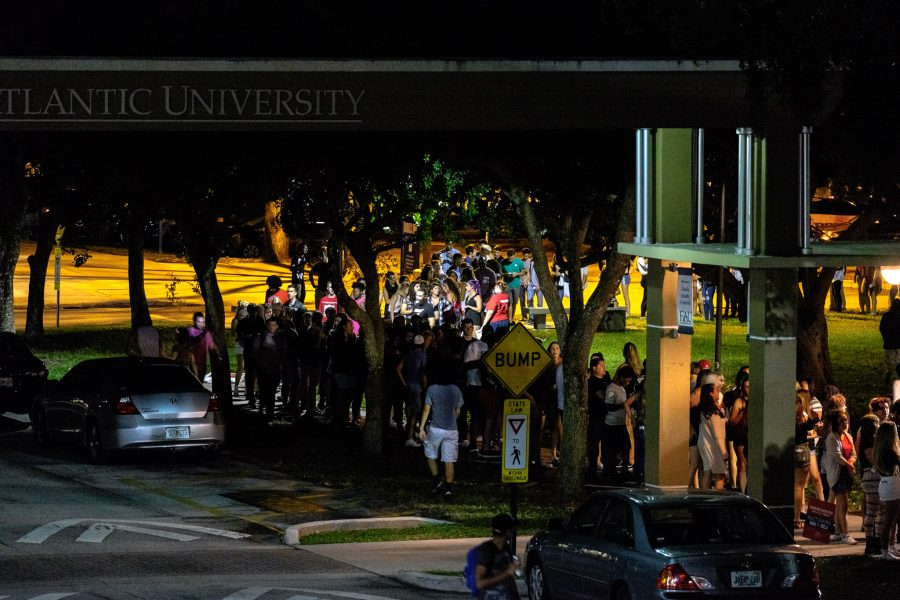 Students lined up behind the Student Union Wednesday night to get into OWLFest 2016 featuring Kesha. Mohammed F Emran | Staff Photographer
