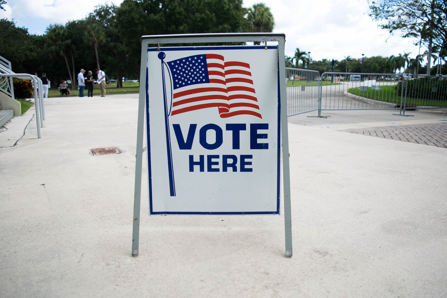 A sign stands near the FAU basketball arena two years ago informing students they could vote on the Boca campus. The same opportunity will be available to students who are registered to vote in Palm Beach tomorrow, Aug. 28. Photo courtesy of Ryan Lynch
