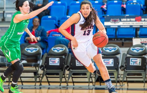 Women's: Senior Kat Wright is 76 made 3-pointers away from breaking FAU's all-time record. Max Jackson | Staff Photographer