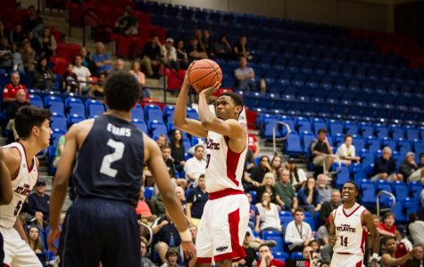 Sophomore Nick Rutherford recorded a game-high nine assists in the Owls loss to UTEP. Alexander Rodriguez | Contributing Photographer
