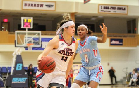 Women's Basketball: FAU squanders first half lead in 54-59 loss against Old Dominion