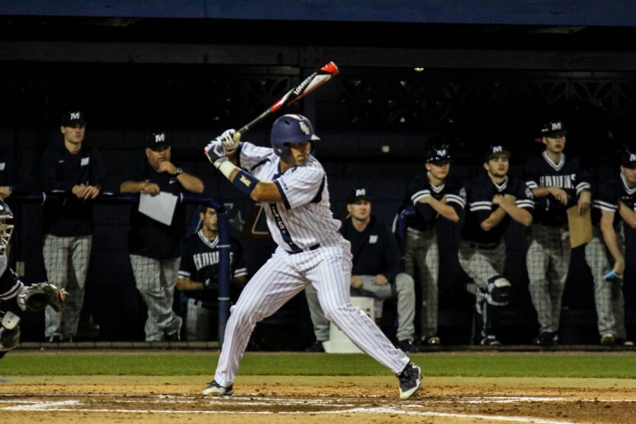Junior catcher Kevin Abraham recorded two hits in the Owls victory over Monmouth on Friday night. Alexander Rodriguez | Contributing Photographer