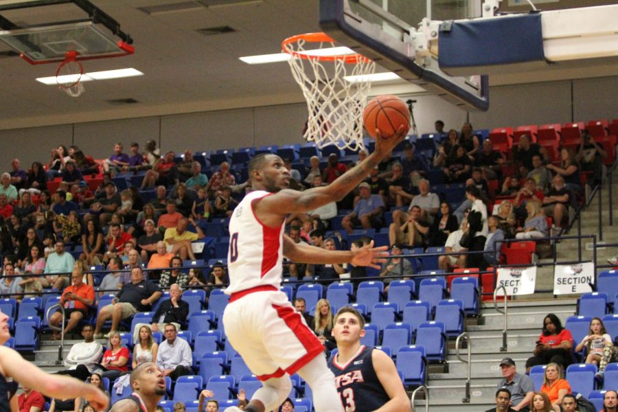 Senior+Adonis+Filer+scored+20+points+in+his+final+game+at+FAU+Arena.+Alexander+Rodriguez+%7C+Contributing+Photographer
