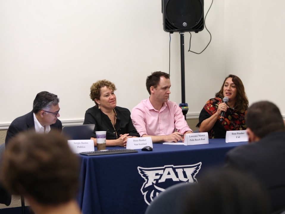 From left to right: Senior editor for Politico Florida Sergio Bustos, managing editor at the Sun Sentinel Dana Banker, Palm Beach Post investigative reporter Lawrence Mower, and FAU journalism instructor Ilene Prusher. Alex Rodriguez | Photo Editor