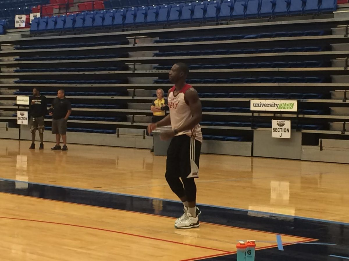 Former Heat guard Dwyane Wade training at FAU Arena in 2015. Ryan Lynch | Business Manager