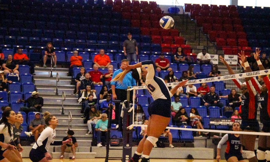 Gallery: FAU Womens Volleyball Versus UTSA