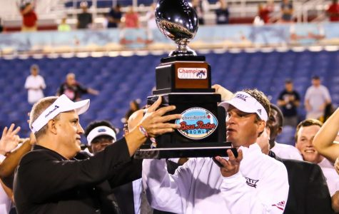 Football: FAU defeats Akron 50-3 in Boca Raton Bowl for first bowl win since 2008