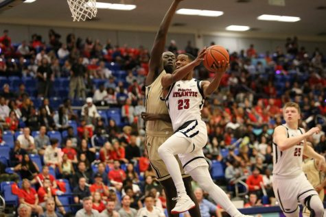 FAU unable to tie game in final seconds of 78-74 loss to rival FIU