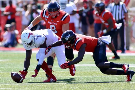 Senior linebacker Rashad Smith won Conference USA player of the week with two fumble recoveries and six tackles to go along with a sack and a forced fumble against Ball State. Photo courtesy of FAU Athletics.