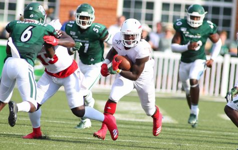 FAU moves to 3-2 with a 45-27 win over Charlotte