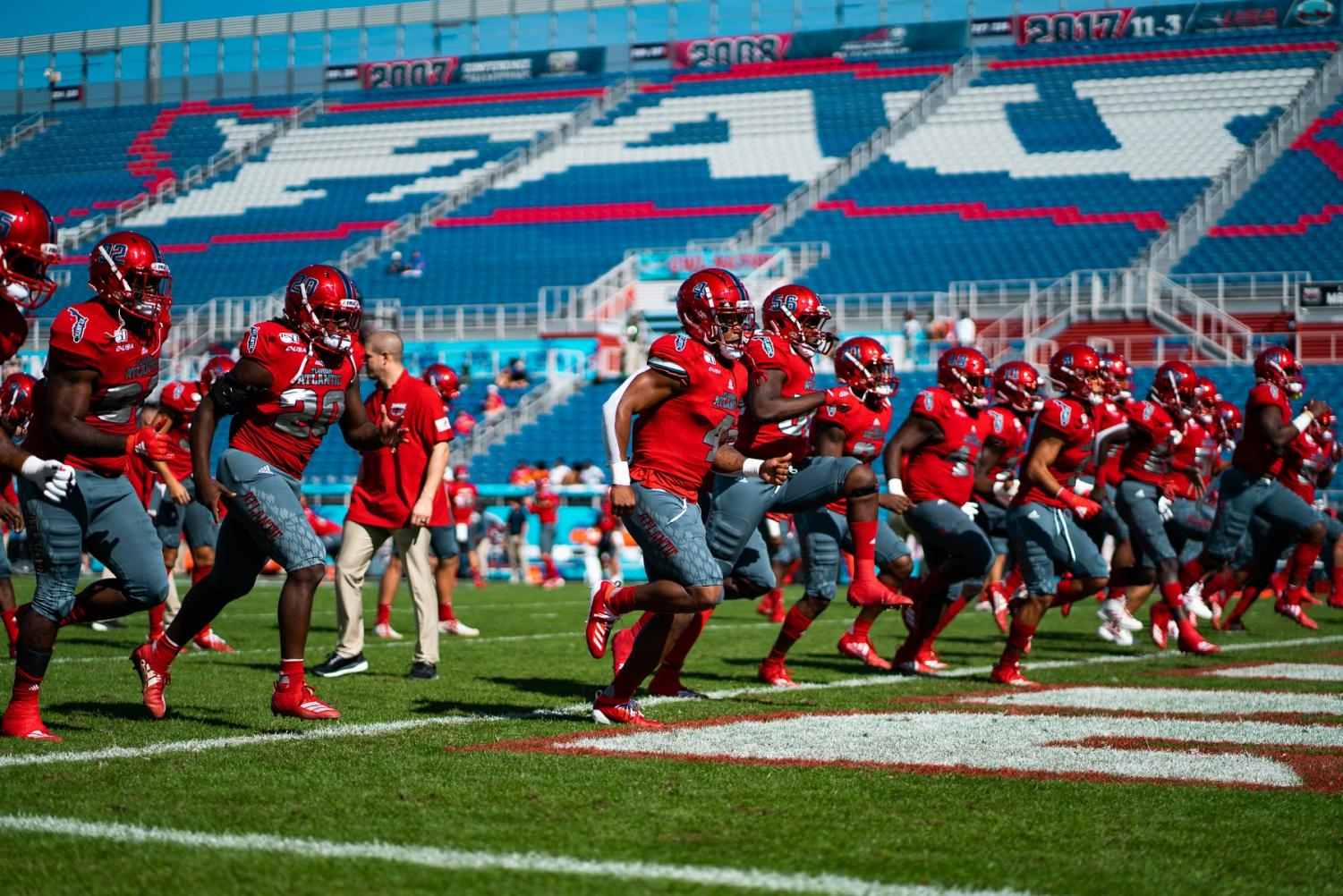 The Owls will try to stay undefeated in bowl games against SMU today. Photo by: Alex Liscio.