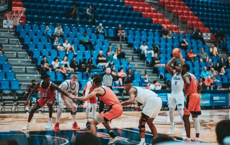 FAU as a whole shot 68.2% from the free throw line Sunday night against the UIC Flames. Photo by: Alex Liscio.