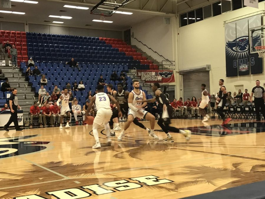 The+second+half+for+the+Owls+was+a+defensive+dud+as+they+let+the+Bonnies+shoot+57+percent+from+the+floor%2C+scoring+46+points.+Photo+by%3A+Kevin+Fielder.+