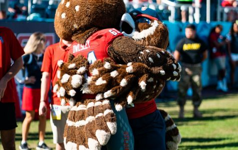 FAU introduces second mascot