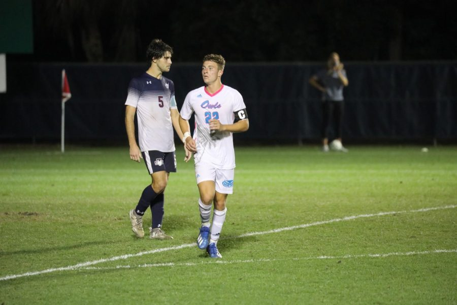 Blake+Dean+%28pictured+white%2C+%2322%29+scored+the+game-tying+goal+for+FAU.+Photo+courtesy+of+FAU+Athletics.