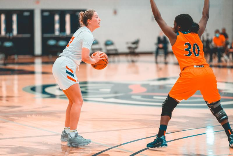 Allie Tylka (pictured white, #12) scored 14 points in Saturdays blowout win against UTSA. Photo by Alex Liscio.