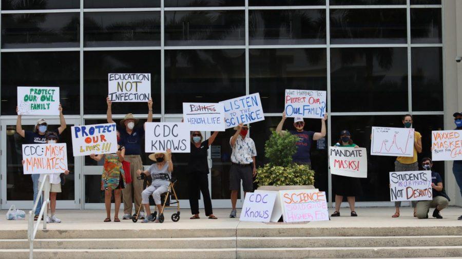 Protesters at the UFF-FAU protest. Photo by Eston Parker III.