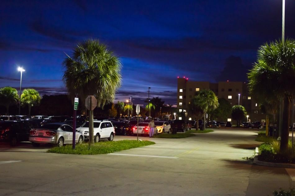 FAU+makes+sure+areas+on+campus+remain+well+lit+with+their+annual+safety+wall+Photo+by+Charles+Pratt.