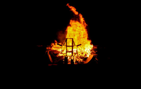 FAU looks ahead to its first home game with the 4th annual bonfire