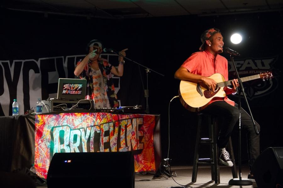 Trendsetter Tour 2014: Bryce Vine Performs at FAU